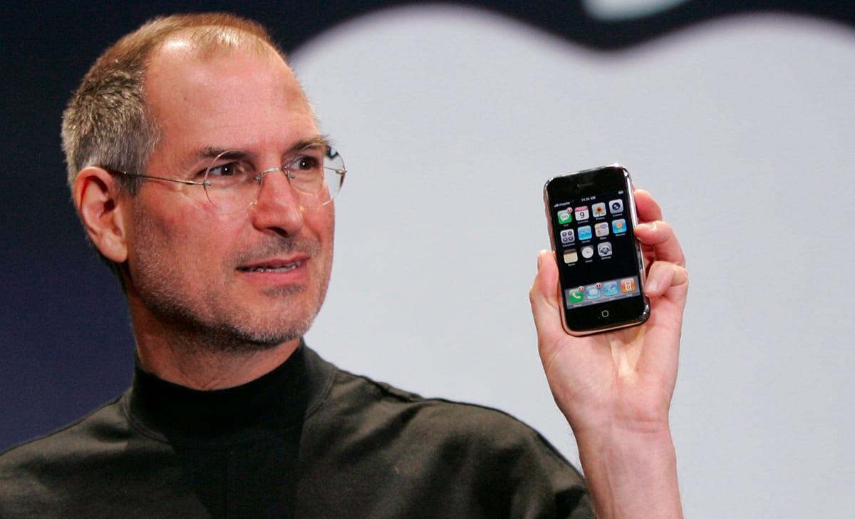 apple trillion dollar revolution